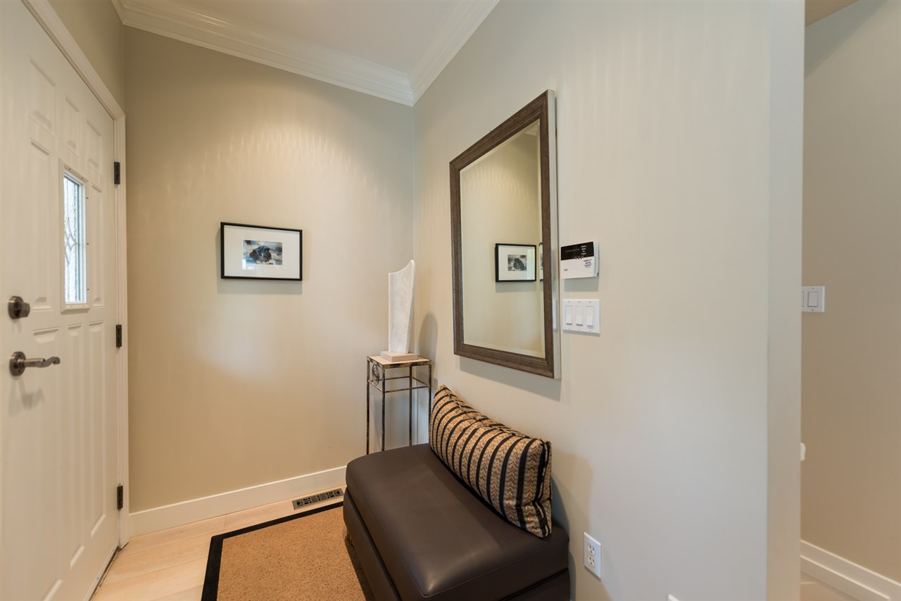 Photo 2: 18 2688 MOUNTAIN Highway in North Vancouver: Lynn Valley Townhouse for sale : MLS® # R2082198