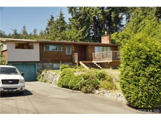 Main Photo: 3310 Hockering Road in VICTORIA: Co Lagoon Single Family Detached for sale (Colwood)  : MLS(r) # 367145
