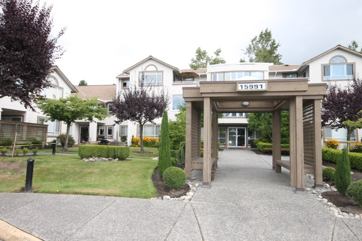 "Main Photo: 310 15991 THRIFT Avenue: White Rock Condo for sale in ""ARCADIAN"" (South Surrey White Rock)  : MLS® # R2100910"