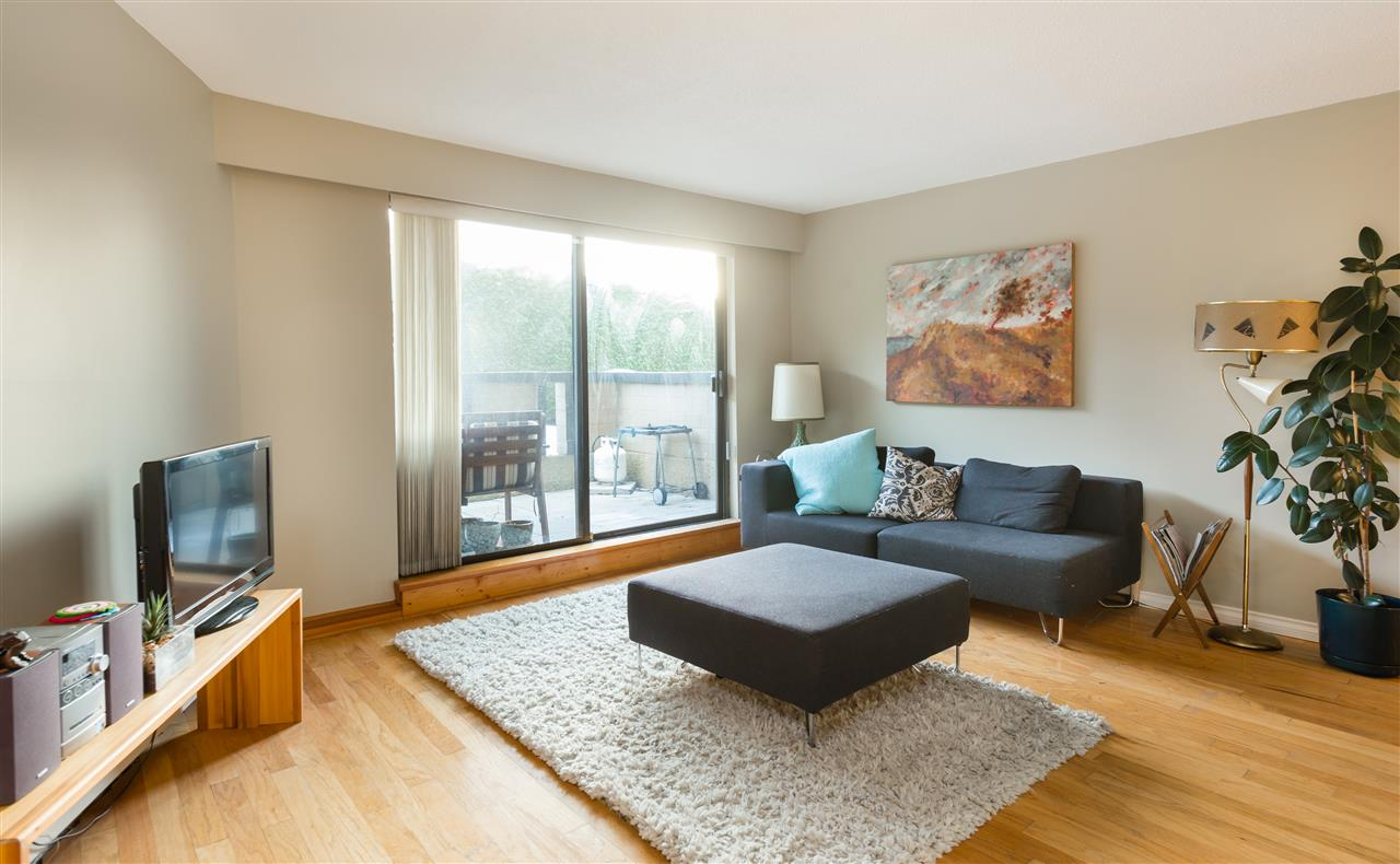 Main Photo: 106 2222 CAMBRIDGE Street in Vancouver: Hastings Condo for sale (Vancouver East)  : MLS® # R2126719