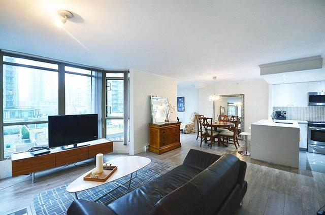 Main Photo: 1205 867 HAMILTON Street in Vancouver: Downtown VW Condo for sale (Vancouver West)  : MLS® # R2133180