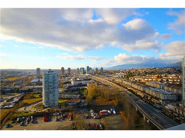Main Photo: 3101 2133 DOUGLAS Road in Burnaby: Brentwood Park Condo for sale (Burnaby North)  : MLS® # R2133829