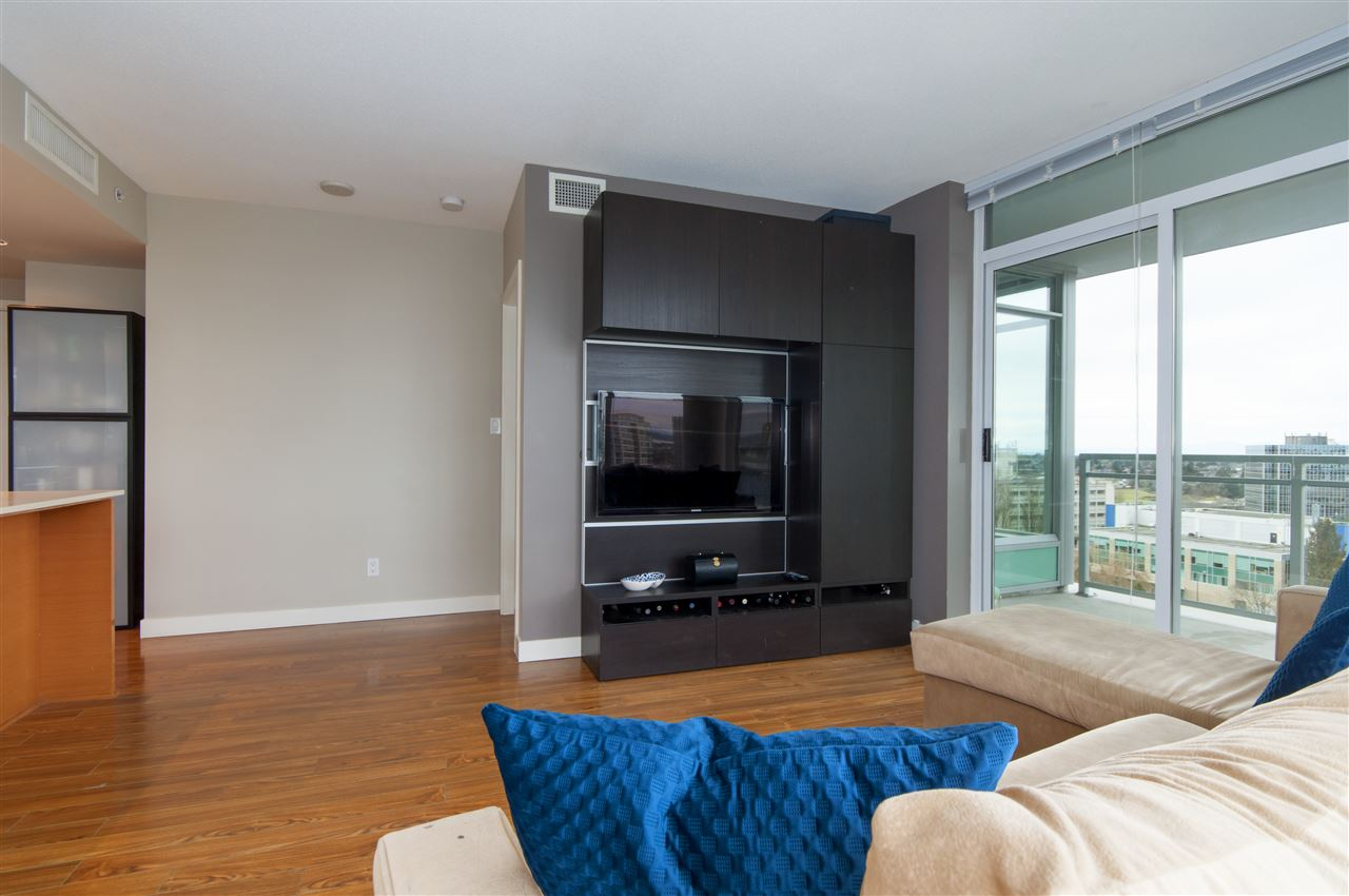 "Photo 5: 1503 7371 WESTMINSTER Highway in Richmond: Brighouse Condo for sale in ""Lotus"" : MLS® # R2135677"