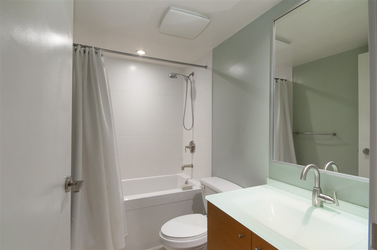 "Photo 14: 1503 7371 WESTMINSTER Highway in Richmond: Brighouse Condo for sale in ""Lotus"" : MLS® # R2135677"