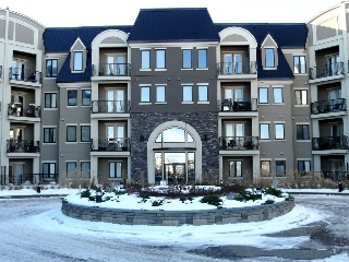 Main Photo: 345 6079 MAYNARD Way in Edmonton: Zone 14 Condo for sale : MLS(r) # E4048350