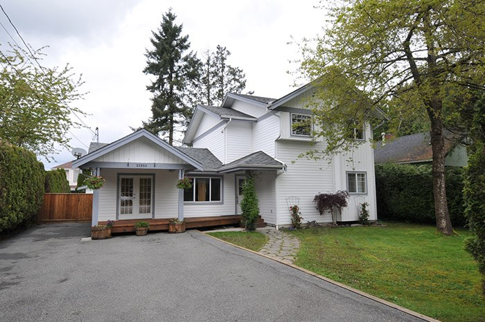"Main Photo: 23953 118 Avenue in Maple Ridge: Cottonwood MR House for sale in ""COTTONWOOD"" : MLS(r) # R2167590"