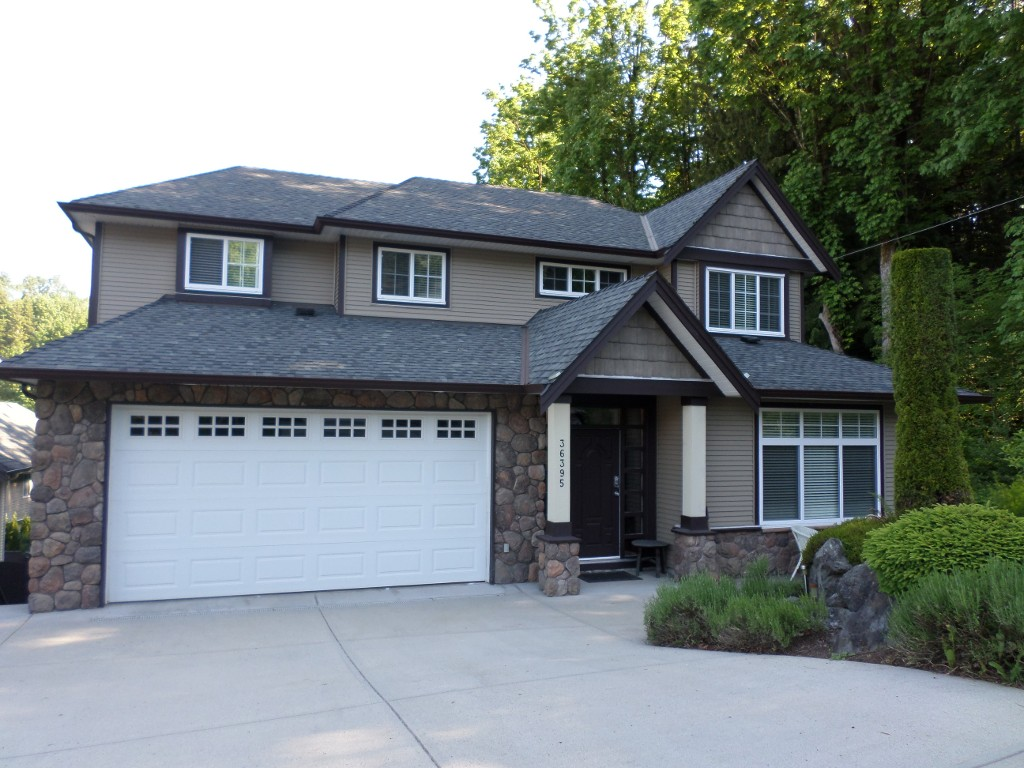 Photo 1: 36395 Westminster Drive in Abbotsford: Abbotsford East House for sale : MLS(r) # R2170592