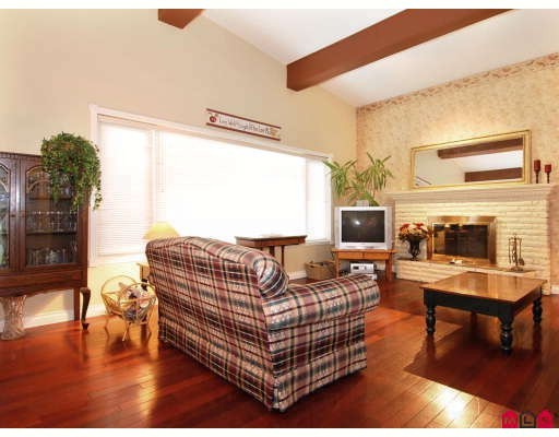 Photo 4: 15794 TULIP Drive in South Surrey White Rock: Home for sale : MLS® # F2906792