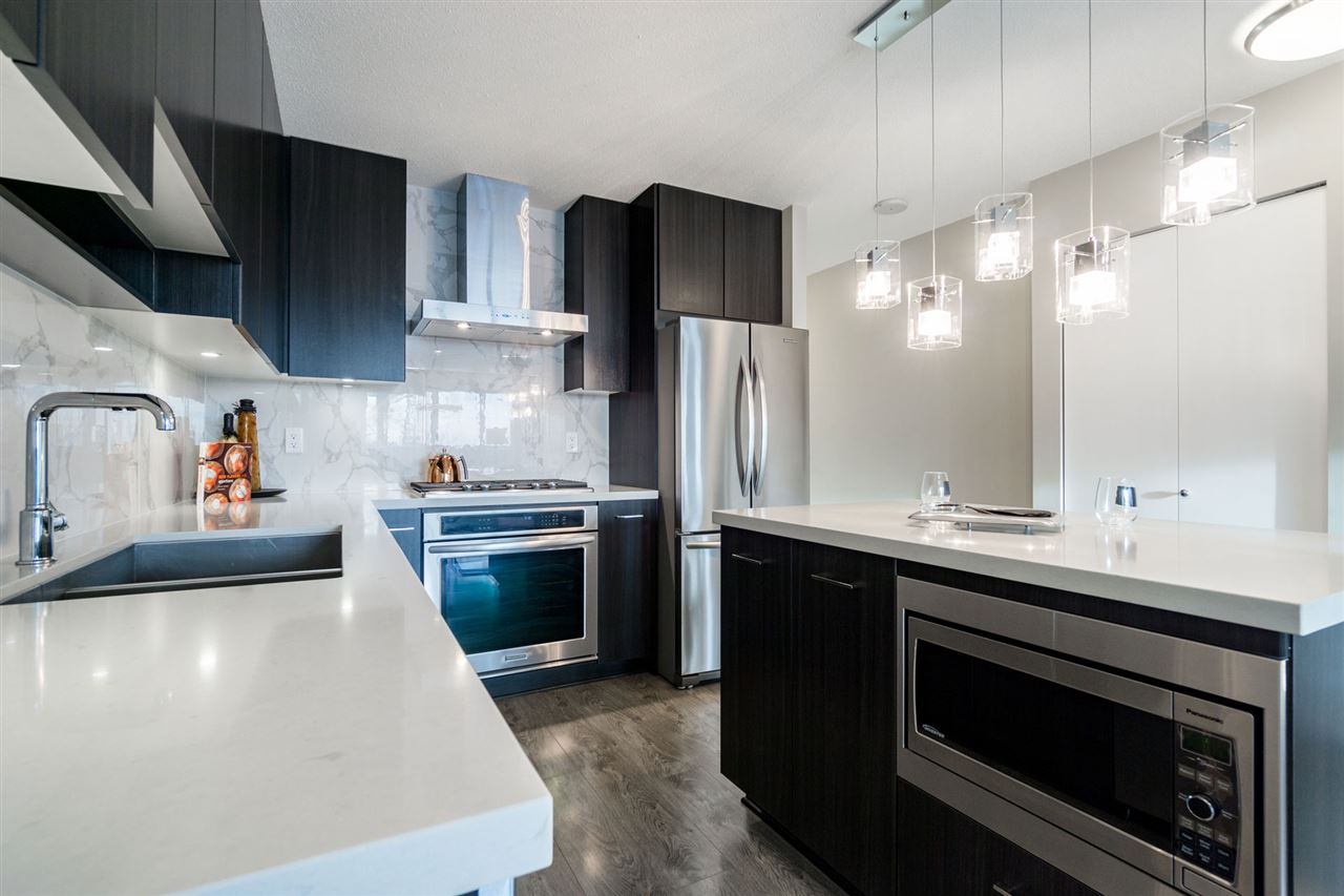 Live in Luxury at Aviara - Full sized appliances include gas range stove, dishwasher, and refrigerator