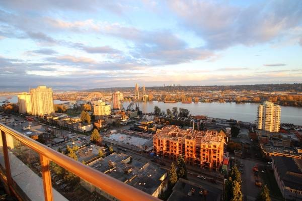 "Photo 2: 1701 320 ROYAL Avenue in New Westminster: Downtown NW Condo for sale in ""THE PEPPER TREE"" : MLS® # R2196193"