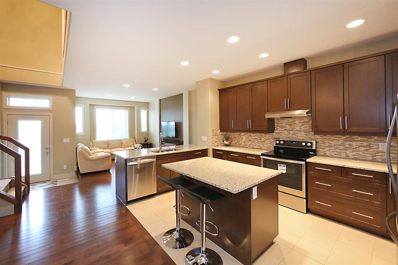 Photo 7: 7450 MAY Common in Edmonton: Zone 14 Attached Home for sale : MLS® # E4081423
