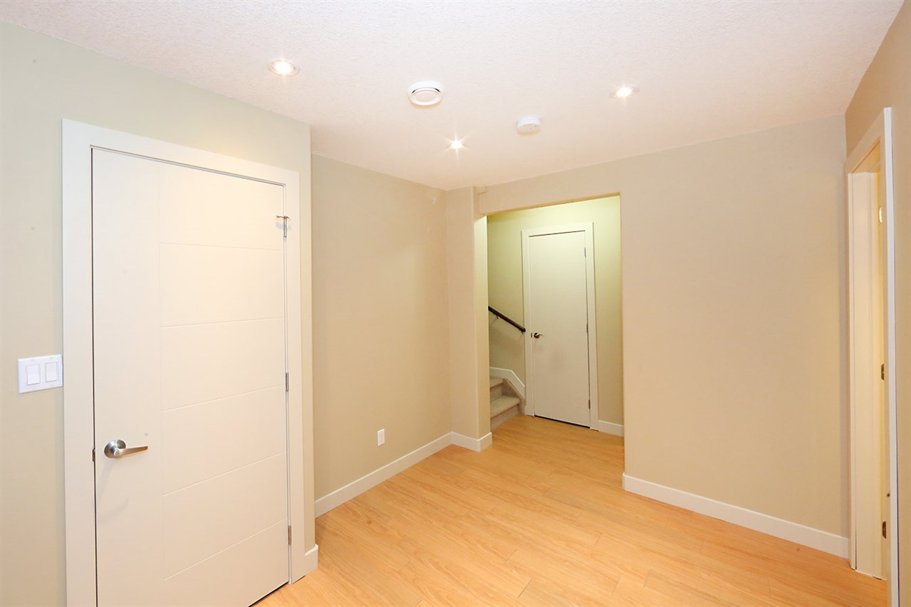 Photo 24: 7450 MAY Common in Edmonton: Zone 14 Attached Home for sale : MLS® # E4081423