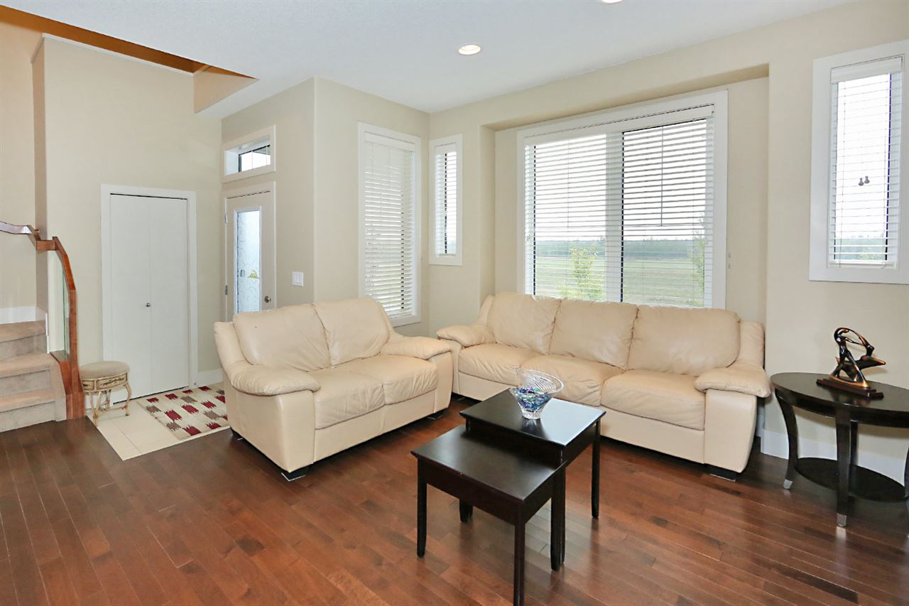 Photo 4: 7450 MAY Common in Edmonton: Zone 14 Attached Home for sale : MLS® # E4081423