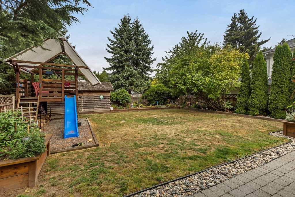 "Photo 18: 20757 51A Avenue in Langley: Langley City House for sale in ""EXCELSIOR ESTATES"" : MLS® # R2204424"