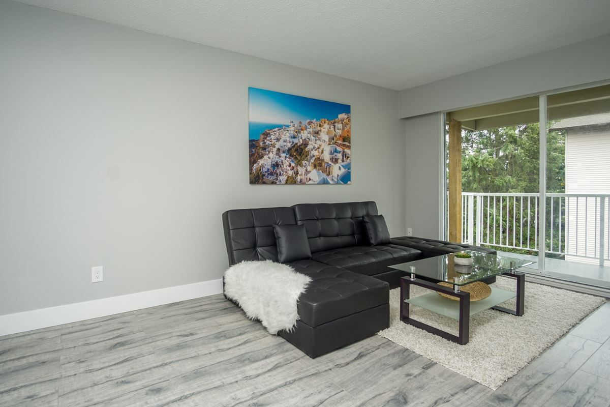 Photo 6: Photos: 302 32870 GEORGE FERGUSON Way in Abbotsford: Central Abbotsford Condo for sale : MLS® # R2211440