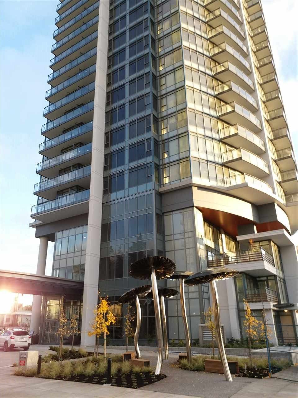 "Main Photo: 1803 4900 LENNOX Lane in Burnaby: Metrotown Condo for sale in ""METROTOWN"" (Burnaby South)  : MLS® # R2222017"