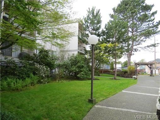 Main Photo: 118 3225 Eldon Place in VICTORIA: SW Rudd Park Condo Apartment for sale (Saanich West)  : MLS® # 363030