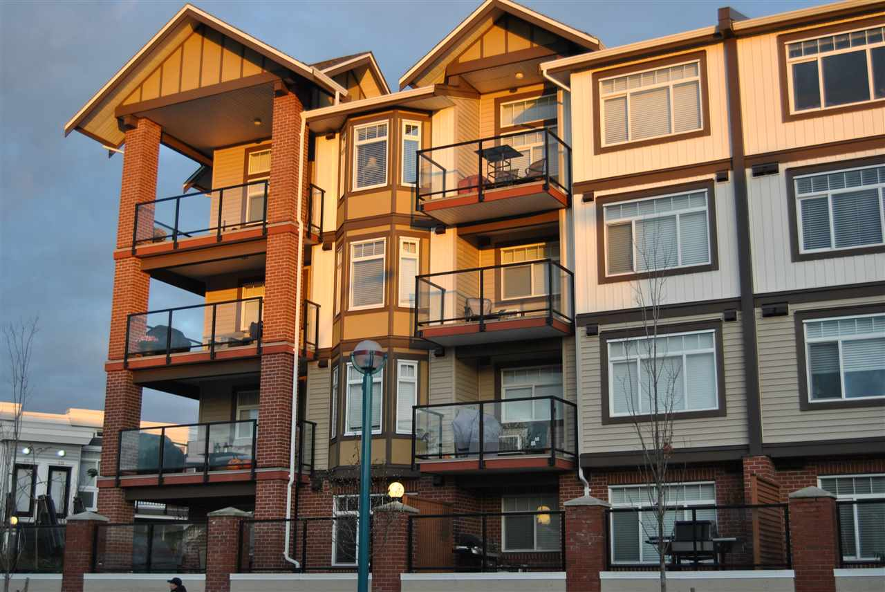 "Main Photo: 419 5650 201A Street in Langley: Langley City Condo for sale in ""PADDINGTON STATION"" : MLS®# R2235387"