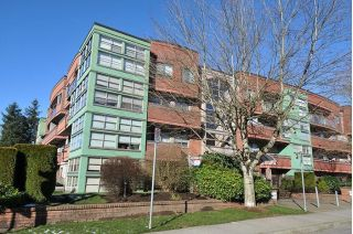 "Main Photo: 104 12025 207A Street in Maple Ridge: Northwest Maple Ridge Condo for sale in ""Atrium"" : MLS® # R2241333"