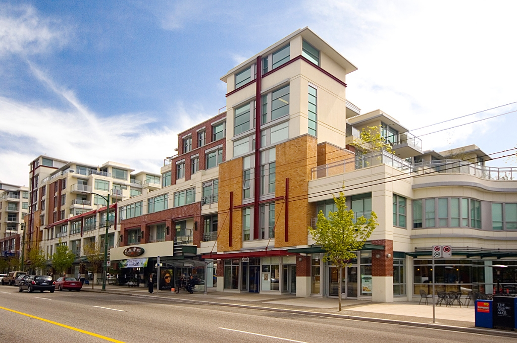 Main Photo: 321 2268 W BROADWAY in Vancouver: Kitsilano Condo for sale (Vancouver West)  : MLS® # V873828