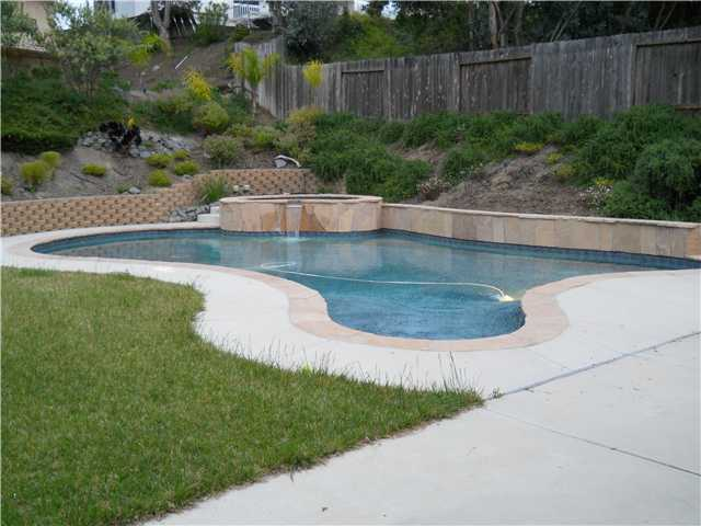 Photo 3: RANCHO SAN DIEGO House for sale : 4 bedrooms : 2019 Ontario in El Cajon