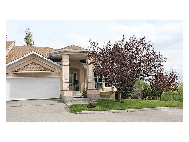 Main Photo: 85 CHRISTIE Gardens SW in CALGARY: Christie Park Estate Townhouse for sale (Calgary)  : MLS®# C3477967