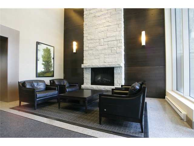 "Photo 3: 404 6080 IONA Drive in Vancouver: University VW Condo for sale in ""STIRLING HOUSE"" (Vancouver West)  : MLS(r) # V922540"
