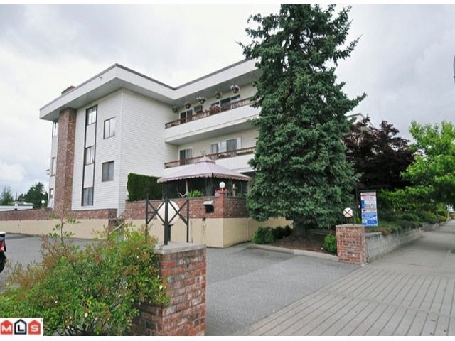 Main Photo: 102 2211 CLEARBROOK Road in Abbotsford: Abbotsford West Condo for sale : MLS® # F1118962