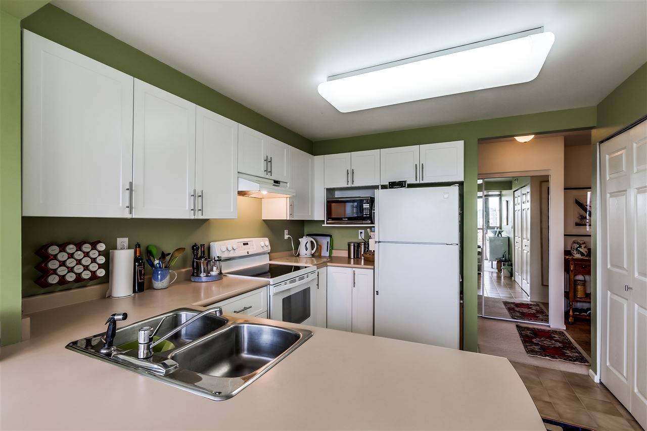 "Photo 7: 2002 3070 GUILDFORD Way in Coquitlam: North Coquitlam Condo for sale in ""Lakeside Terrace Tower"" : MLS® # R2015374"