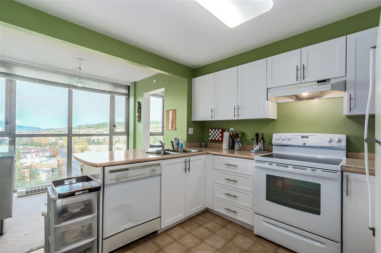"Photo 5: 2002 3070 GUILDFORD Way in Coquitlam: North Coquitlam Condo for sale in ""Lakeside Terrace Tower"" : MLS® # R2015374"