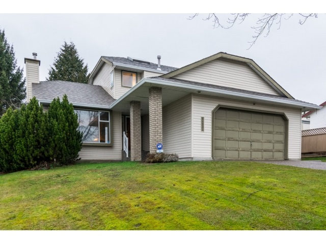 Photo 2: 14931 86 Avenue in Surrey: Bear Creek Green Timbers House for sale : MLS® # R2027276