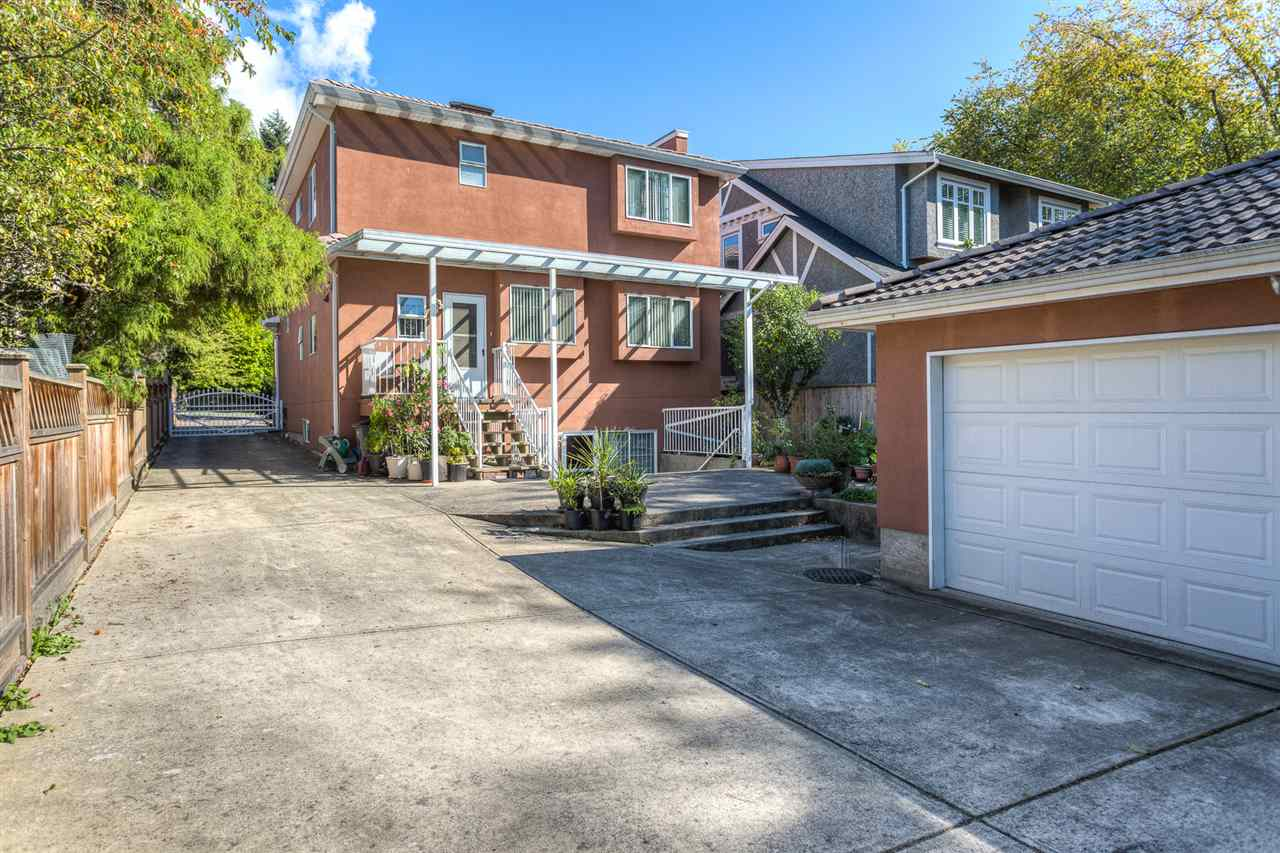 "Photo 17: 5375 TRAFALGAR Street in Vancouver: Kerrisdale House for sale in ""KERRISDALE"" (Vancouver West)  : MLS® # R2052662"