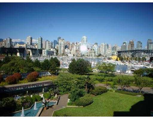 Main Photo: 407 1490 PENNYFARTHING DR in Vancouver: False Creek Condo for sale (Vancouver West)  : MLS(r) # V549519