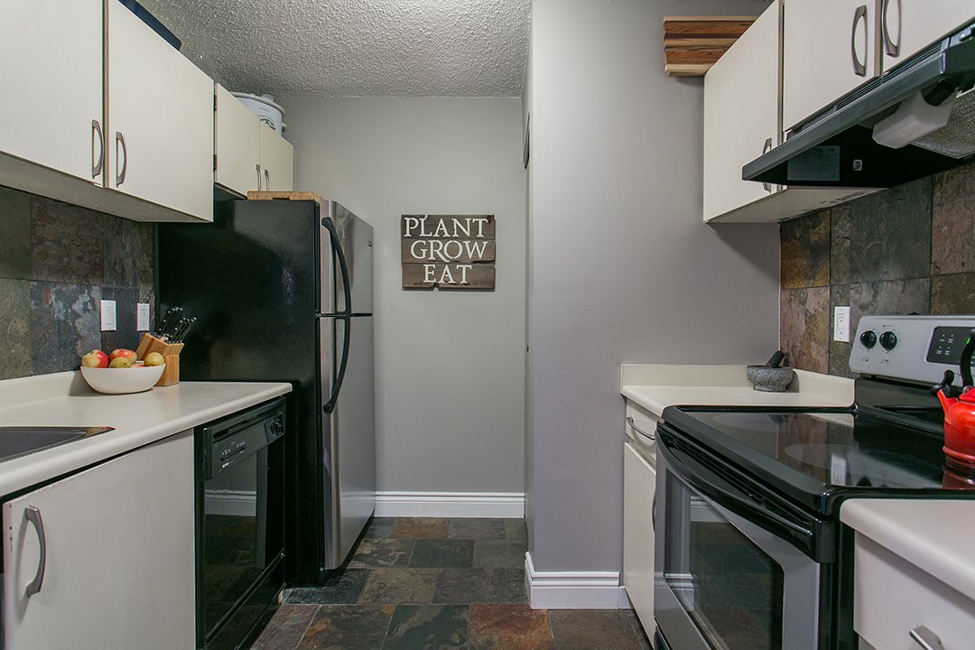Photo 10: 104 659 E 8TH Avenue in Vancouver: Mount Pleasant VE Condo for sale (Vancouver East)  : MLS® # R2123602