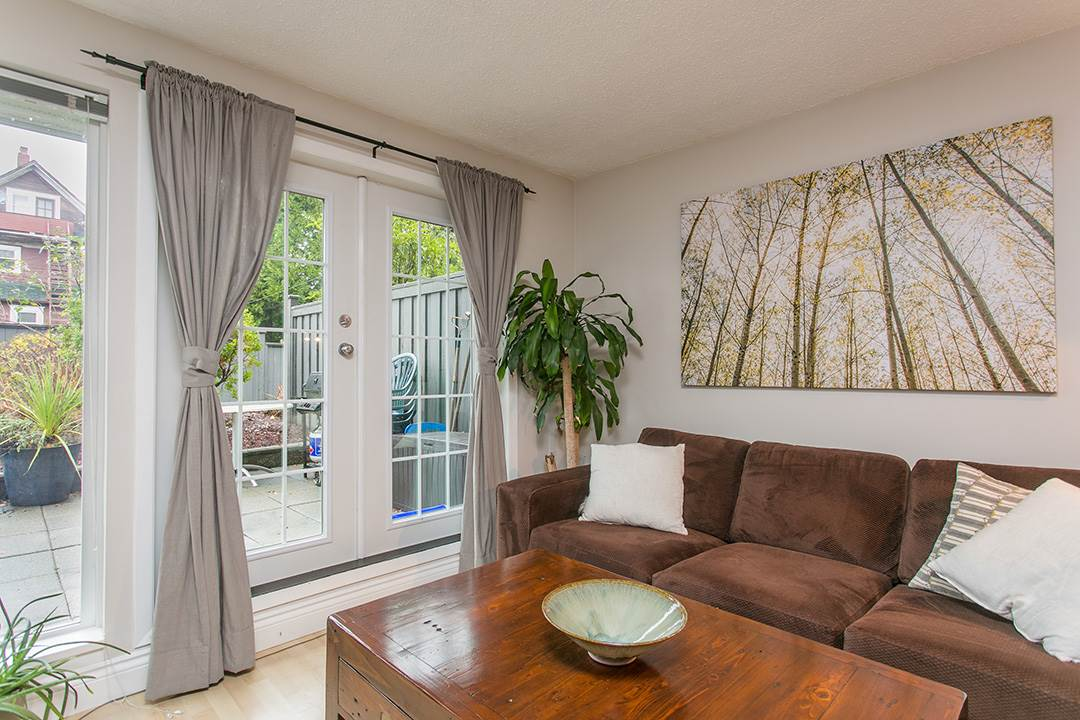 Photo 4: 104 659 E 8TH Avenue in Vancouver: Mount Pleasant VE Condo for sale (Vancouver East)  : MLS® # R2123602