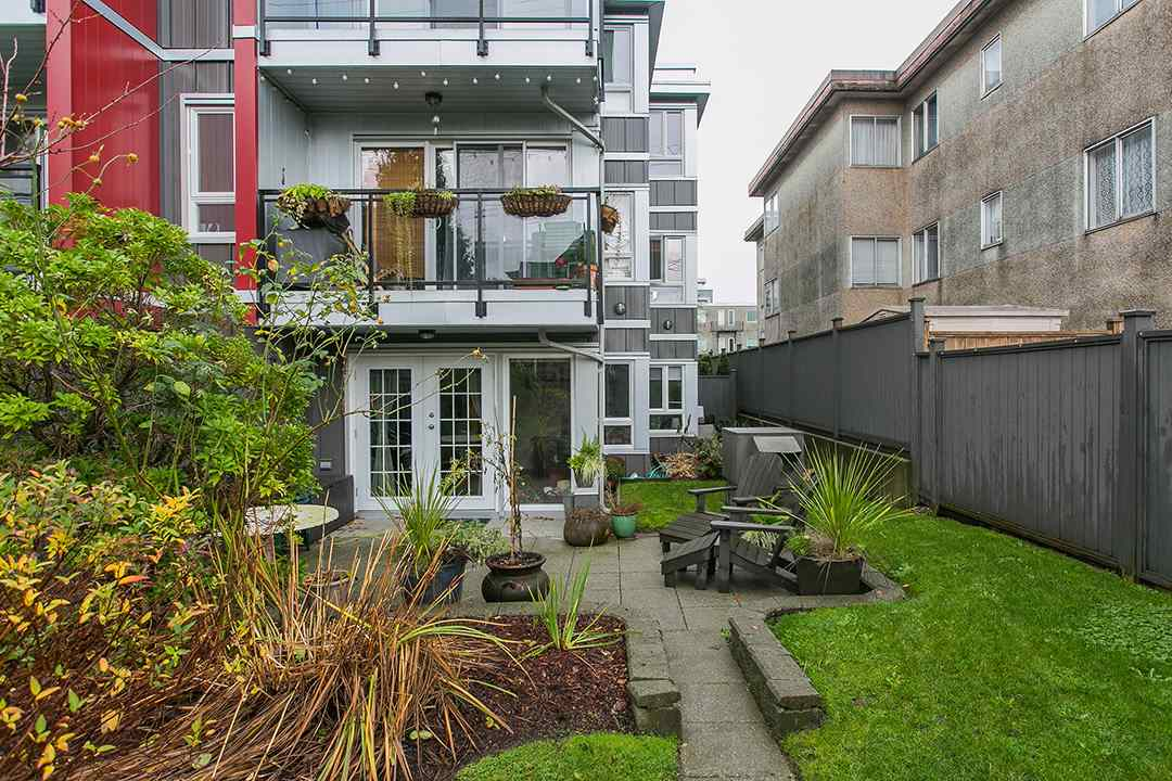 Main Photo: 104 659 E 8TH Avenue in Vancouver: Mount Pleasant VE Condo for sale (Vancouver East)  : MLS® # R2123602