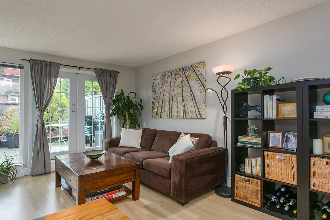 Photo 3: 104 659 E 8TH Avenue in Vancouver: Mount Pleasant VE Condo for sale (Vancouver East)  : MLS® # R2123602