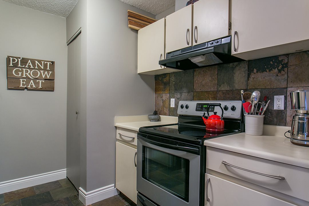 Photo 8: 104 659 E 8TH Avenue in Vancouver: Mount Pleasant VE Condo for sale (Vancouver East)  : MLS® # R2123602