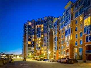 Main Photo: 702 16 VARSITY ESTATES Circle NW in Calgary: Varsity Condo for sale : MLS(r) # C4093587