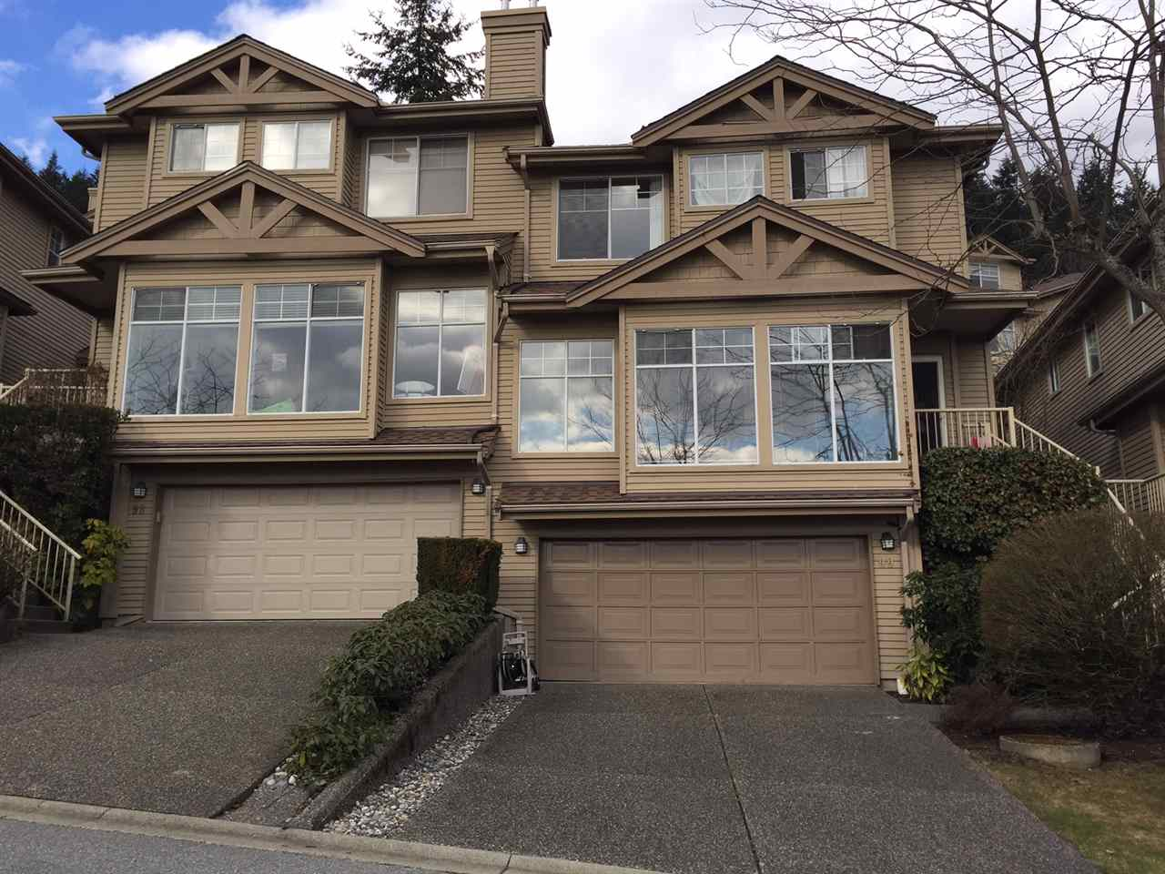 "Main Photo: 99 2979 PANORAMA Drive in Coquitlam: Westwood Plateau Townhouse for sale in ""DEERCREST"" : MLS®# R2141057"