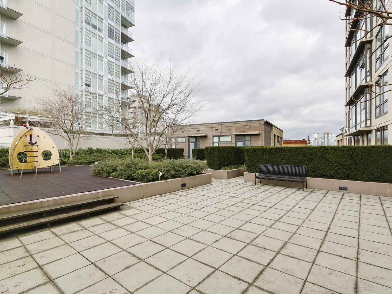 "Photo 15: 1001 1068 W BROADWAY in Vancouver: Fairview VW Condo for sale in ""The Zone"" (Vancouver West)  : MLS(r) # R2148292"