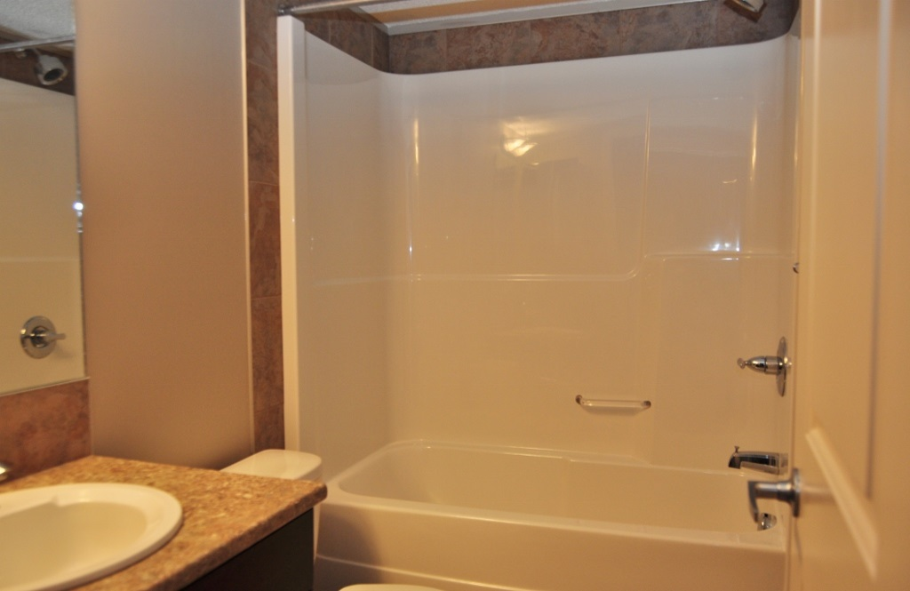 Photo 6: 114 105 AMBLESIDE Drive in Edmonton: Zone 56 Condo for sale : MLS(r) # E4062150