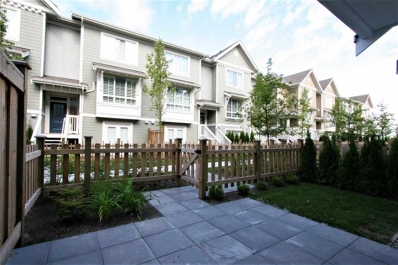 "Main Photo: 34 5550 ADMIRAL Way in Delta: Neilsen Grove Townhouse for sale in ""FAIRWINDS AT HAMPTON COVE"" (Ladner)  : MLS(r) # R2173577"