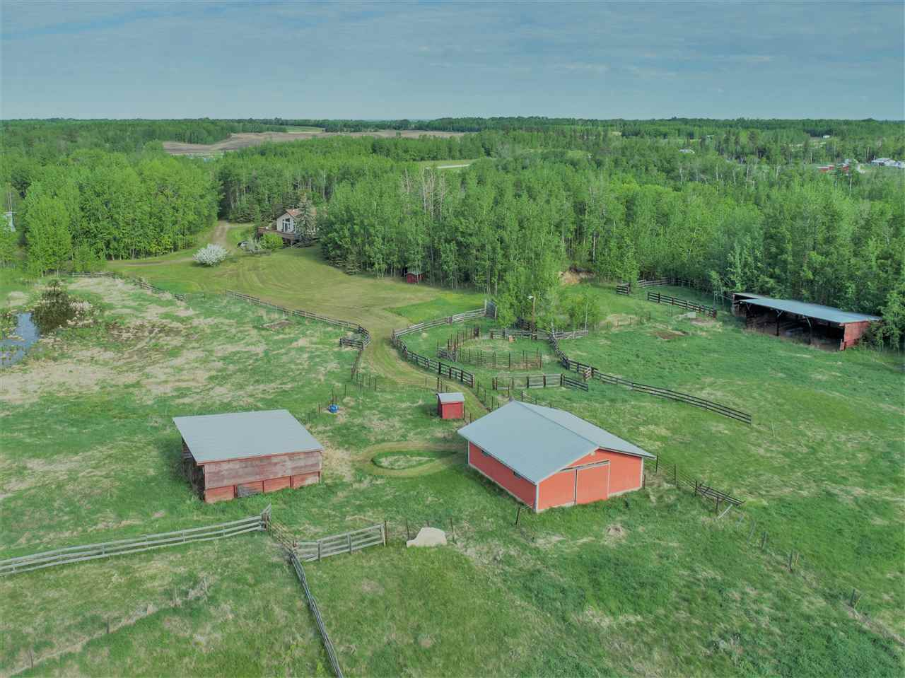 Photo 1: 54027 HWY 43: Rural Lac Ste. Anne County House for sale : MLS® # E4067908