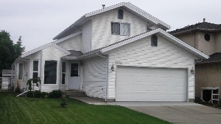 Main Photo: 19016 75 Avenue in Edmonton: Zone 20 House for sale : MLS(r) # E4068910