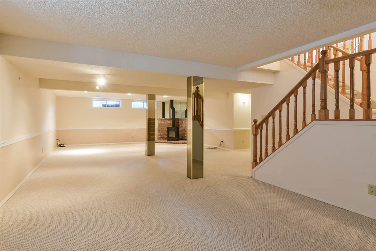 Downstairs you will discover a 4th bedroom, another 4pc bath, an oversized family/rec room with the 2nd fireplace and tons of storage.