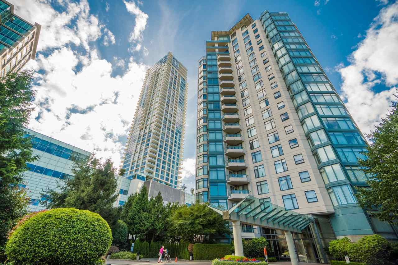 Main Photo: 501 4505 HAZEL Street in Burnaby: Forest Glen BS Condo for sale (Burnaby South)  : MLS®# R2203102
