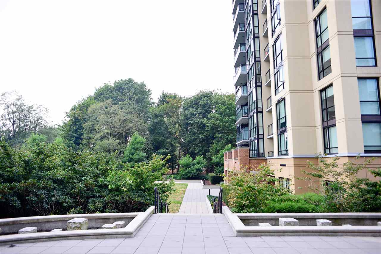 "Photo 17: 1306 13380 108 Avenue in Surrey: Whalley Condo for sale in ""City Point"" (North Surrey)  : MLS® # R2204007"