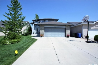 Main Photo: 550 Blackburn Crescent in Saskatoon: Briarwood Residential for sale : MLS®# SK706560