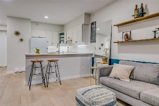 "Main Photo: 405 1888 YORK Avenue in Vancouver: Kitsilano Condo for sale in ""YORKVILLE NORTH"" (Vancouver West)  : MLS® # R2215067"